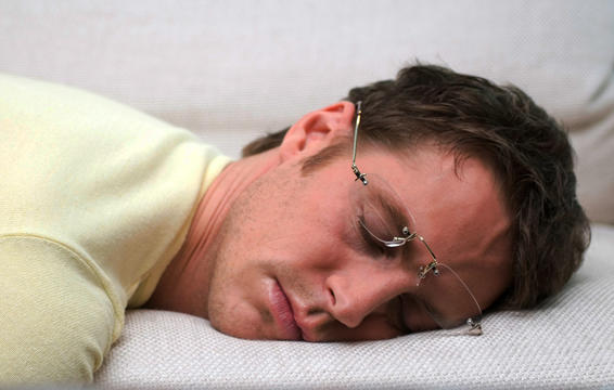 worst-things-to-do-cant-sleep-going-to-bed-only-tired.jpg