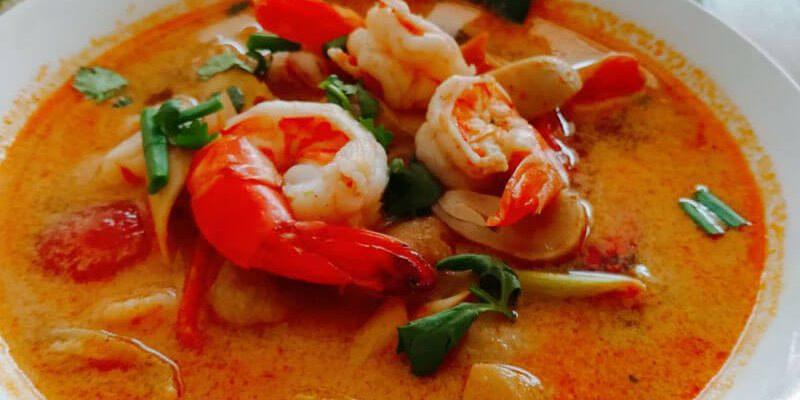 Tom-Yum-Koong-With-Coconut-Milk-Phuket-Cooking-Class-Home-800x400.jpg