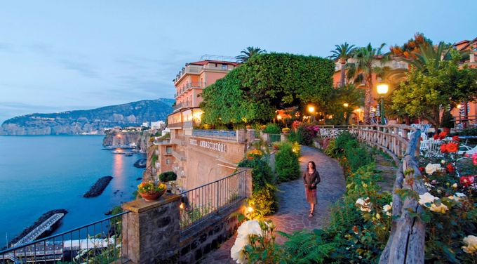Italy-Most-Beautiful-Honeymoon-Destinations-2018.jpg