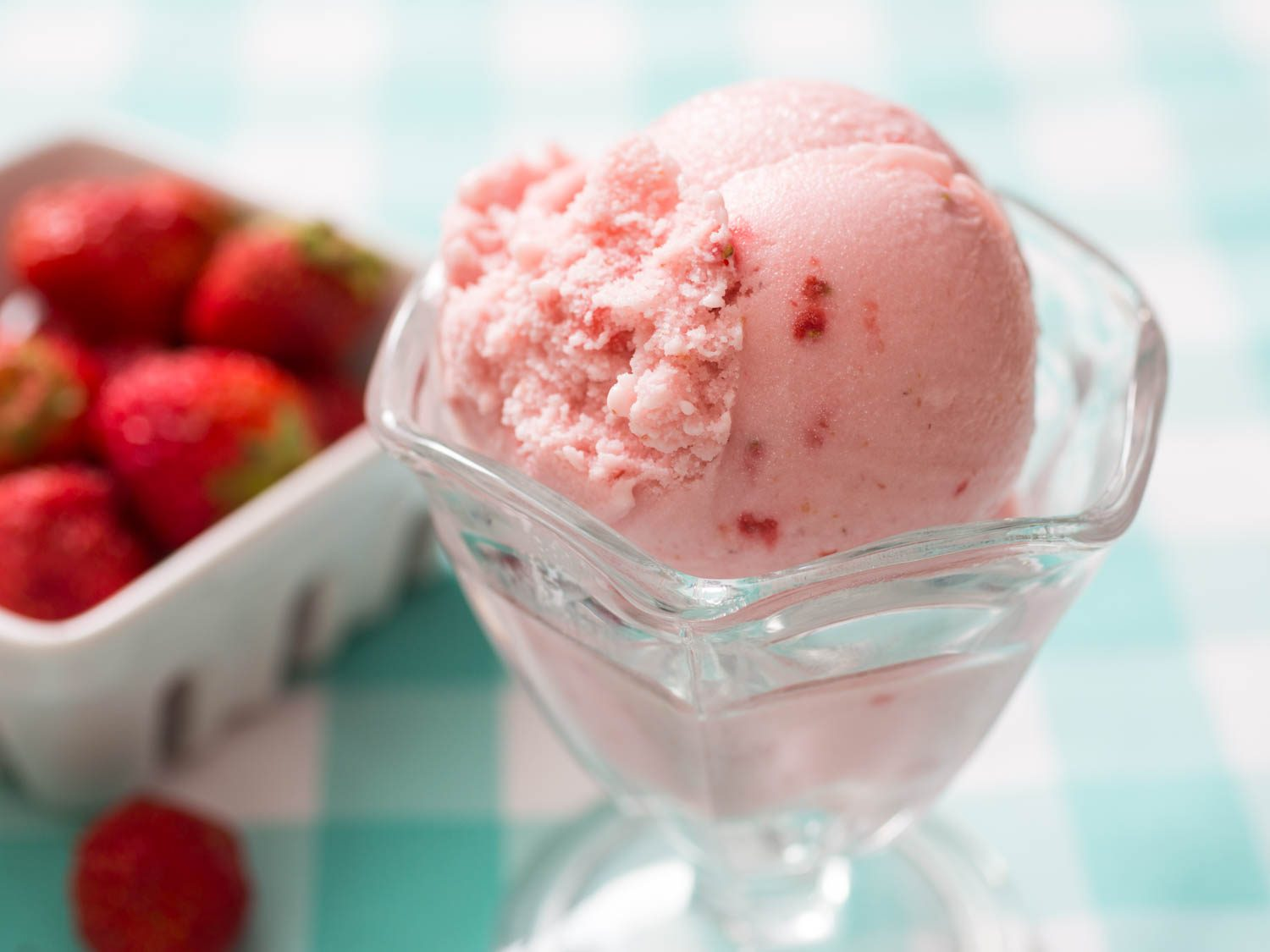 20150706-strawberry-ice-cream-vicky-wasik-4-1500x1125.jpg
