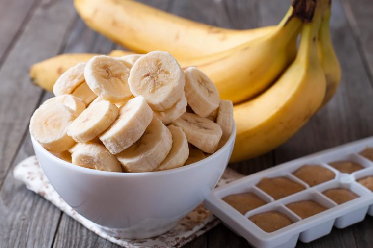 07_Bananas_Foods-That-Help-Lower-High-Blood-Pressure_345286313_Ahanov-Michael-760x506.jpg
