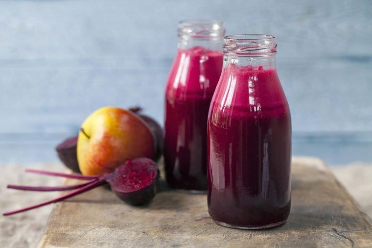 05_Beet_Foods-That-Help-Lower-High-Blood-Pressure_214640959_Magdanatka-760x506.jpg