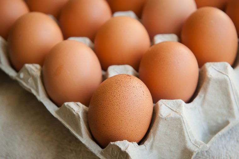 03_Eggs_Foods-That-Help-Lower-High-Blood-Pressure_255816604_siambizkit-760x506.jpg