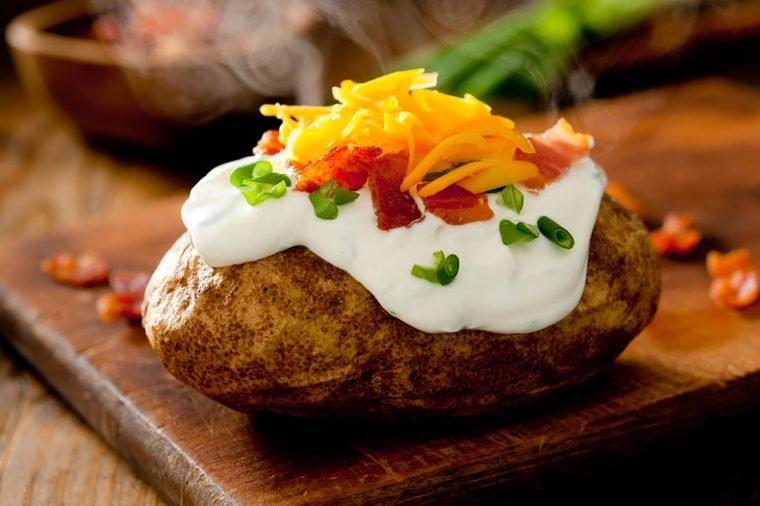 01_Potato_Foods-That-Help-Lower-High-Blood-Pressure_162416345_cobraphotography-760x506.jpg