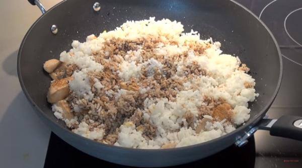 Screenshot-2018-2-28 Super Fast Chicken Fried Rice(2).png
