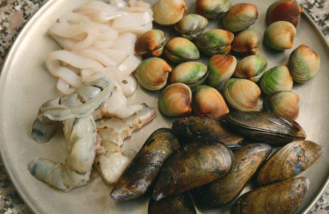 jjamppong-seafood-2-650x422.jpg