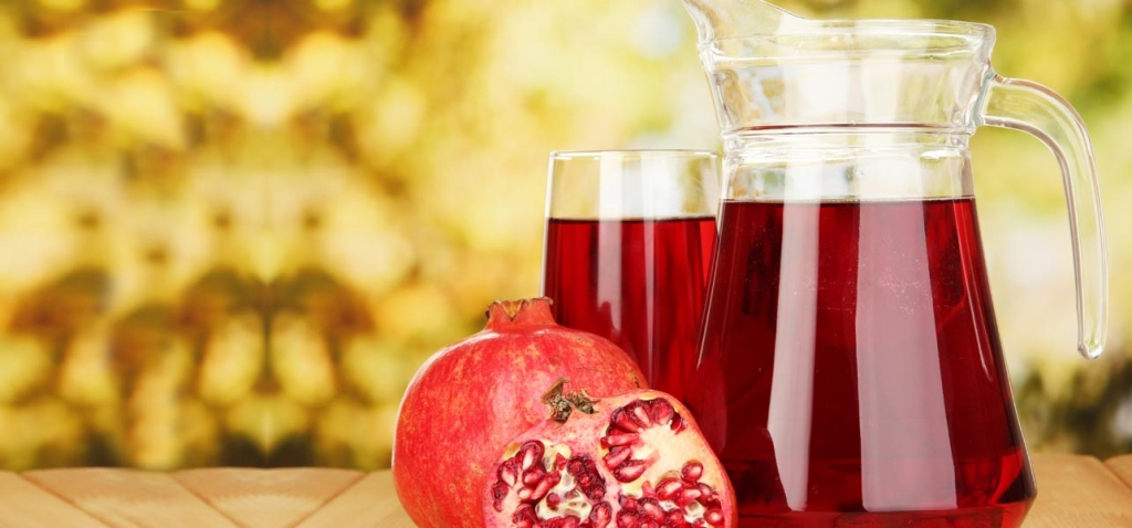 17-Best-Benefits-Of-Pomegranate-Juice-For-Skin-Hair-And-Health.jpg