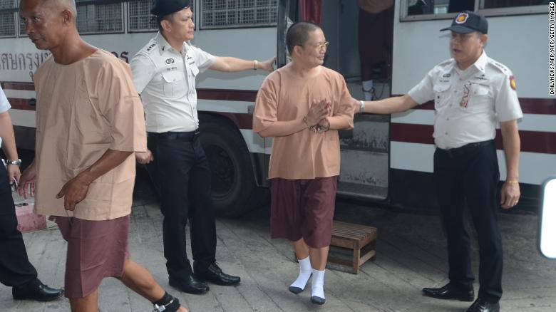 180809165442-disgraced-former-buddhist-monk-wiraphon-sukphon-thai-court-090818-exlarge-169.jpg