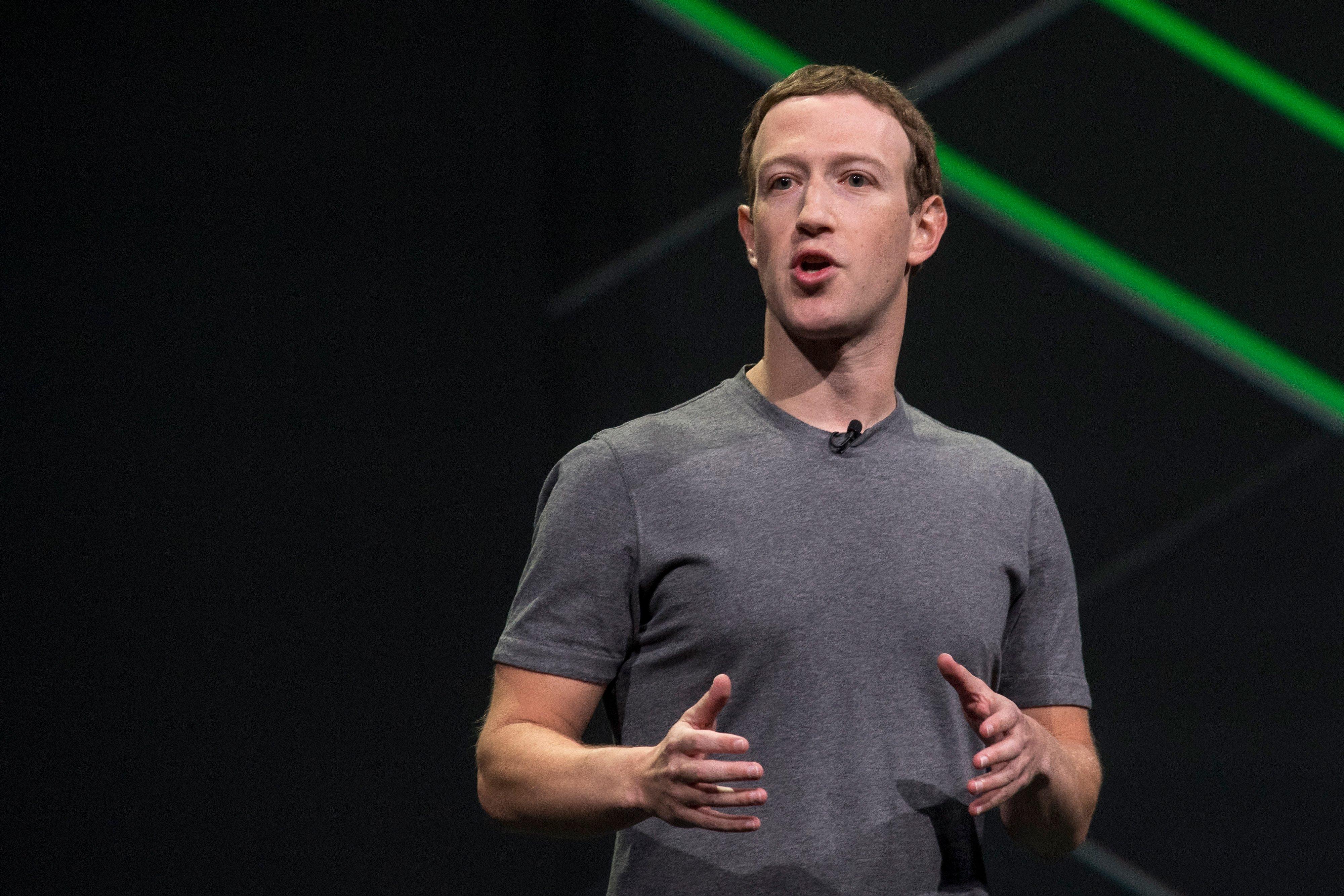 markzuckerberg5billion-em-860273932.jpg