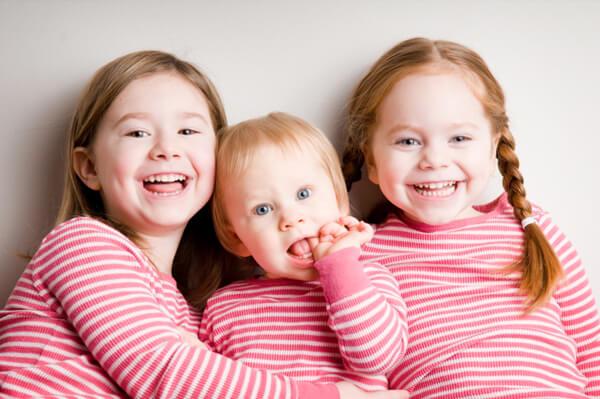 group-of-sisters_zlmo65.jpg