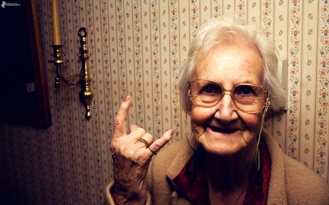grandmother-158956.jpg